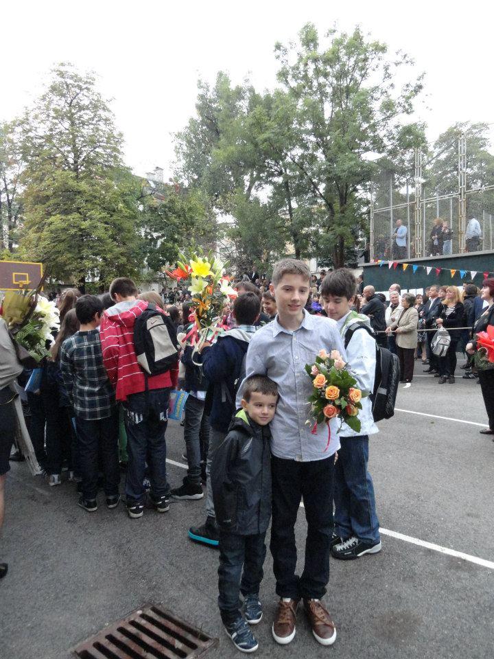 niki i viki sveta sofia 17 sept 2012 na dvora