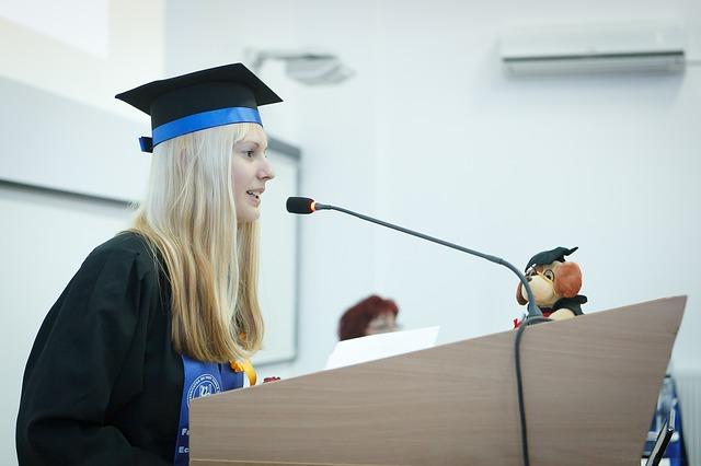 graduation-2038866_640
