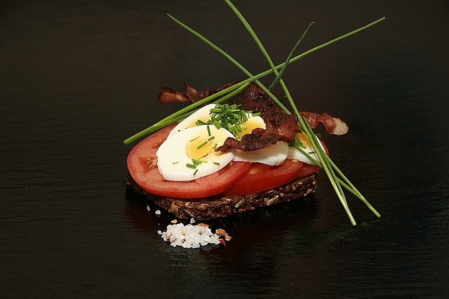 open-faced-sandwiches-1608412_640