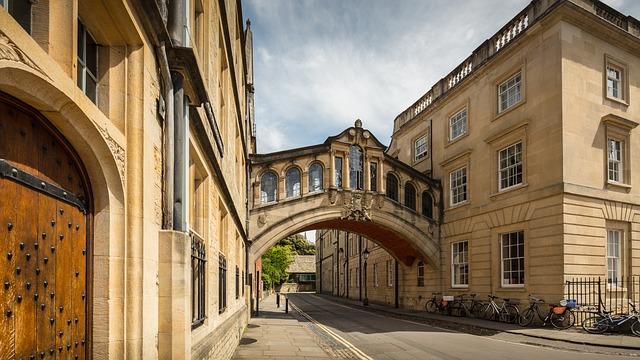 university-of-oxford-3508598_640